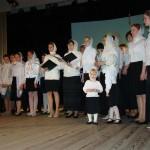 10. Семейный хор храма - дети поют вместе с родителями.